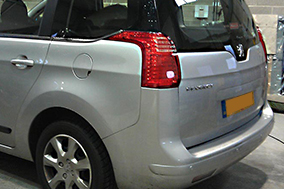 Before- Peugeot 5008 rear window tinting Suntek 18%.